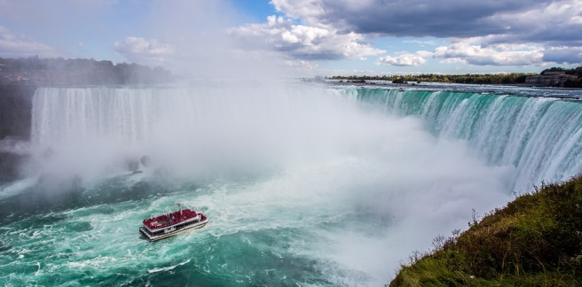 kalen-emsley-94129-unsplash Niagara Falls WIDE
